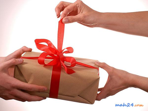 چه عطری مناسب هدیه به یک خانم است؟
