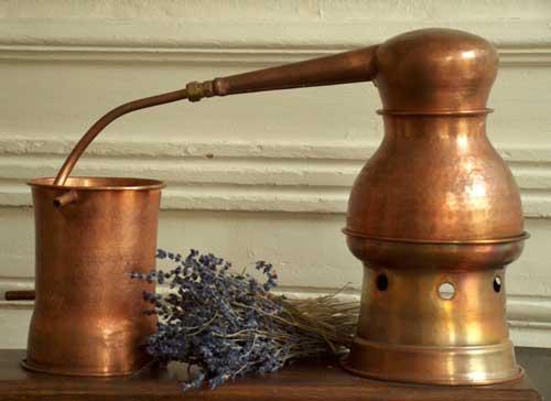 تقطیر در ساخت عطر