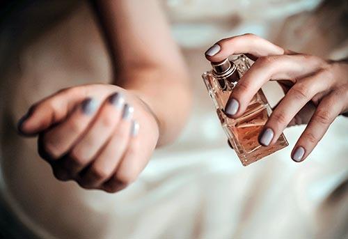 عطرهای تحریک کننده زنانه و مردانه